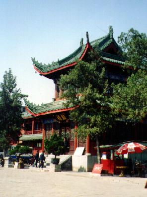 Side pavillion in Xiangguo Temple